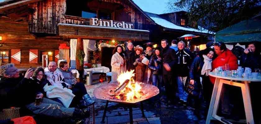 ustria_Bad-Kleinkirchheim_Hotel-Trattlerhof_nearby-aprés-ski-snack-bar.jpg